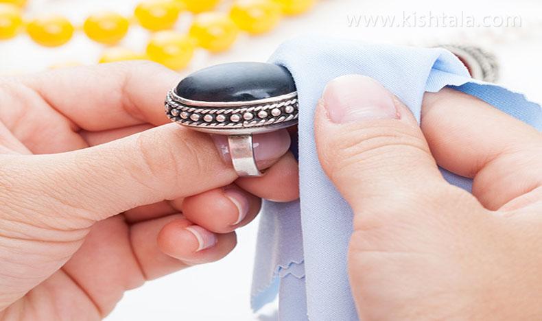 تمیز کردن انگشتر