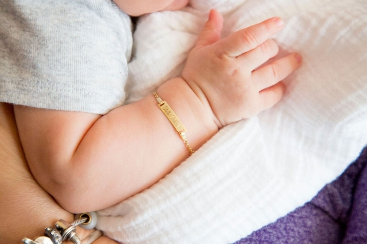 دستبند طلا برای کودکان